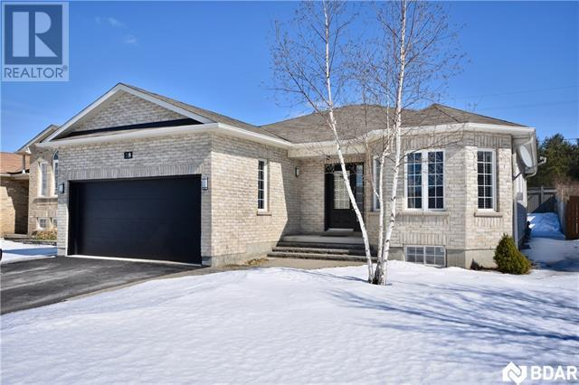 Real Estate Listing   28 STONEMOUNT Crescent Angus